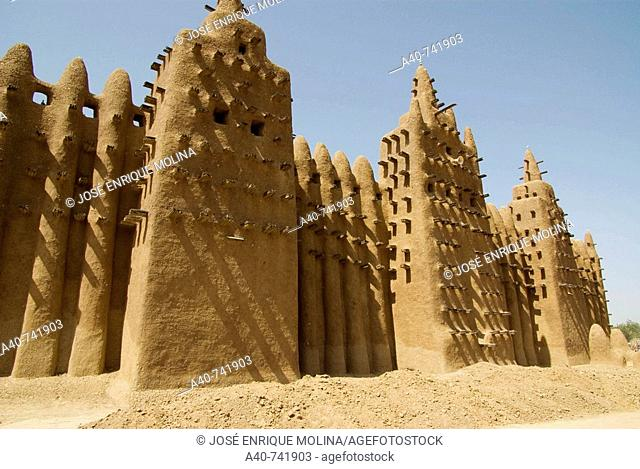 Mali. Sahel. Great mosque of Djenne ( XI century ). Sudanese Architecture style. Built in adobe. UNESCO world Heritage Site