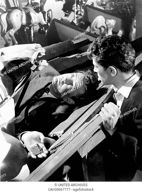 DER FREMDE IM ZUG Strangers on a Train USA 1951 Alfred Hitchcock Bruno Anthony (ROBERT WALKER) und Guy Haines (FARLEY GRANGER) Regie: Alfred Hitchcock aka
