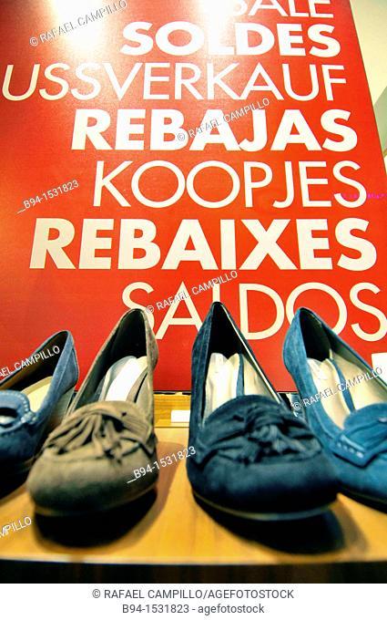 Discounts in shoe store. Barcelona. Catalonia, Spain