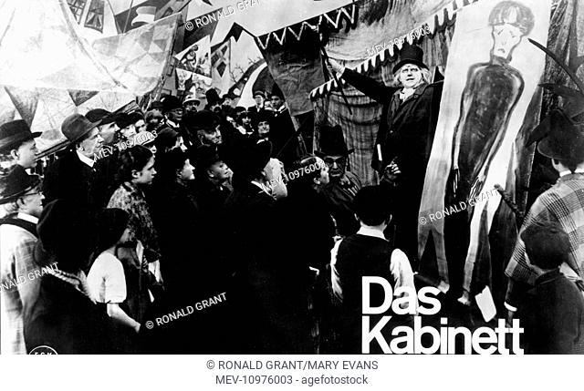 DAS CABINET DES DR CALIGARI [GER 1920] aka THE CANINET OF DR CALIGARI WERNER KRAUSS [right, arms in air]
