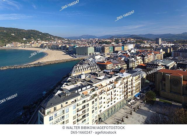 Spain, Basque Country Region, Guipuzcoa Province, San Sebastian, Monte Urgull, elevated town view over Playa Zurriola beach