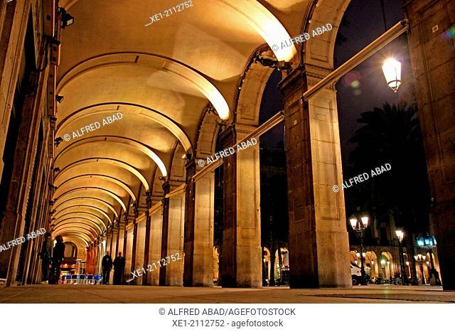 Arcades at night, Plaça Reial, Barcelona, Catalonia, Spain