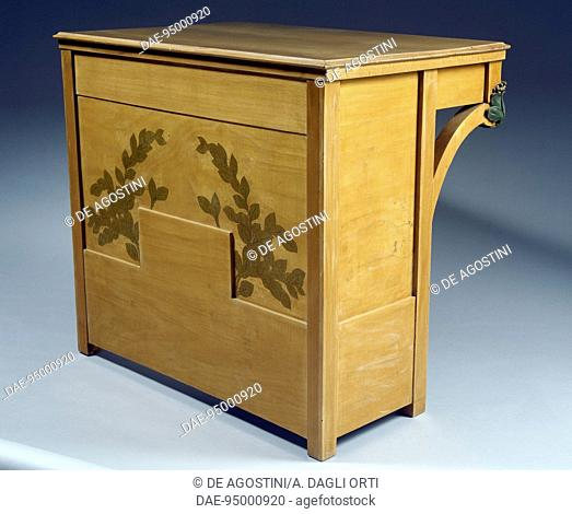 Desk, piece of furniture for a lady's bedroom, 1902, by Ugo Ceruti, maple. Italy, 20th century.  Genoa, The Wolfsonian Foundation (Arts And Crafts Museum)