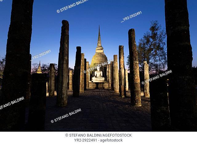 Wat Sa Sri at dusk, Sukhothai historical park, Sukhothai, Thailand