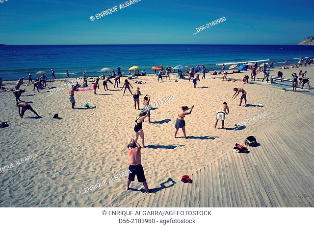 people doing exercises at the beach, Benidorm, Alicante