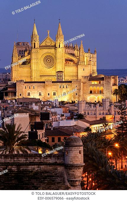 Cathedral Mallorca s. XIII-twentieth century and Bastion of Sant Pere. Mallorca, balearic islands, spain