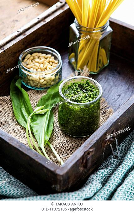 Wild garlic pesto, fresh wild garlic, pine nuts and spaghetti