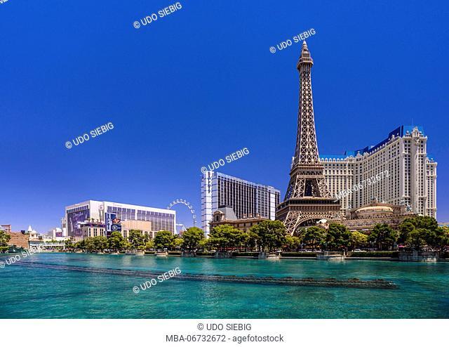 The USA, Nevada, Clark County, Las Vegas, Las Vegas Boulevard, The Strip, flamingo, Bally's, Paris Las Vegas, Eiffel Tower, view from the Bellagio