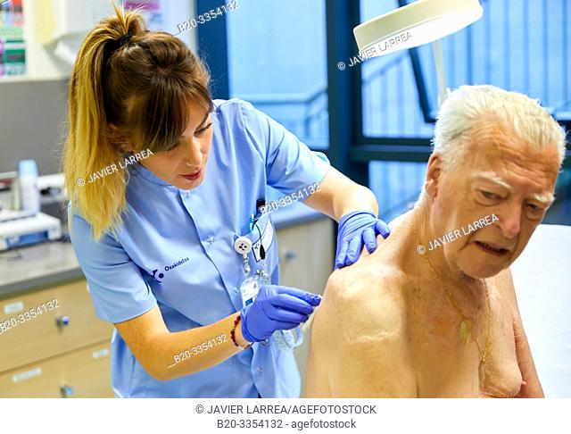 Nurse , Treatment room, Primary care, Egia Health Center, Donostia, San Sebastian, Gipuzkoa, Basque Country, Spain