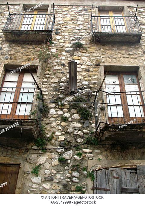 Houses, Besalú, Girona, Catalonia, Spain