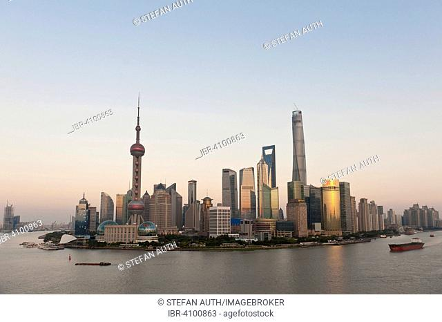 Skyline with skyscrapers, Oriental Pearl Tower television tower, Shanghai Tower, Jin Mao Tower, Huangpu River, Pudong, Shanghai, China