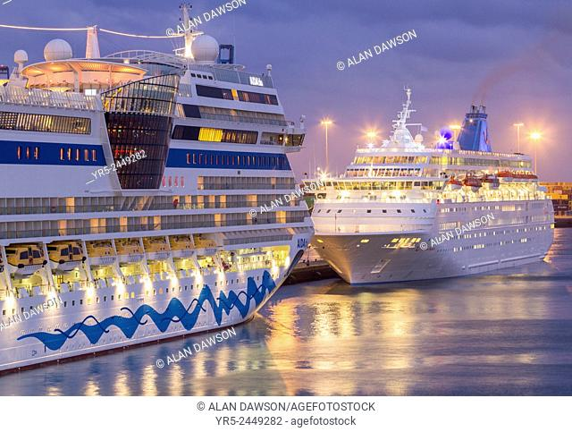 Cruise ships Aida Blue (left) and Thomson Majesty (right) in Las Palmas port, Gran Canaria, Canary Islands, Spain