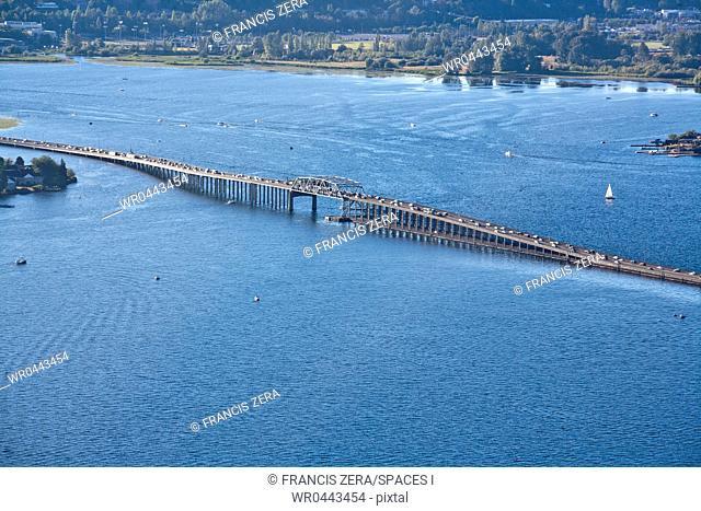 Traffic on a Floating Bridge