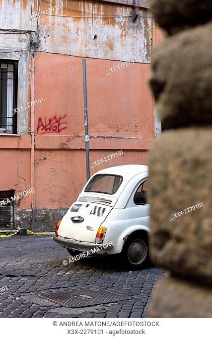 Fiat cinquecento in the streets of Rome