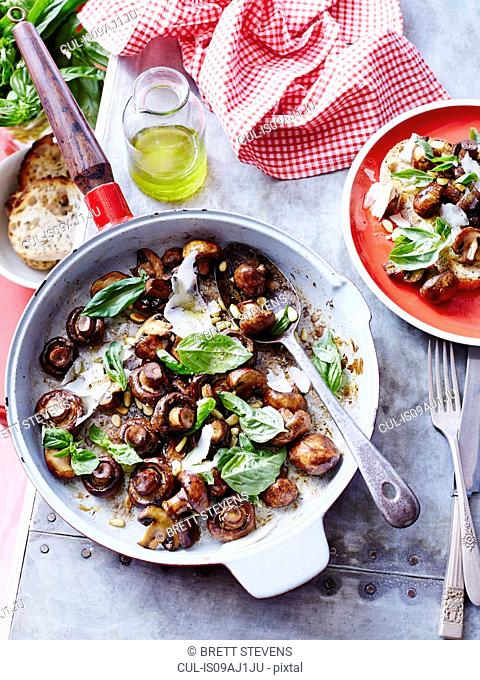 Sauteed mushrooms with basil pesto