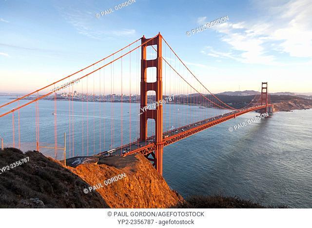 Golden Gate Bridge with the San Francisco city skyline - Battery Spencer, Marin Headlands, Marin County, California, USA