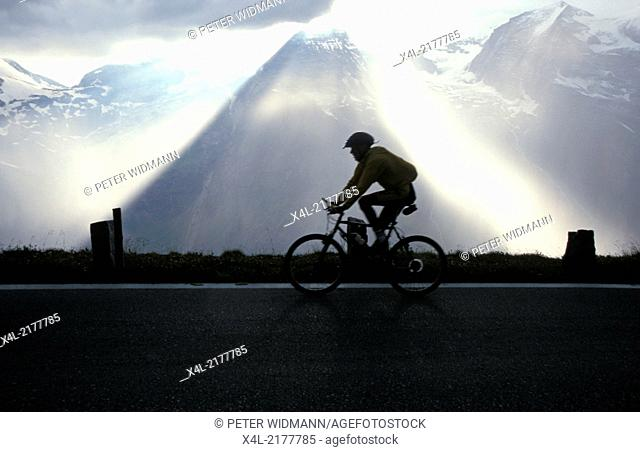 light effect before thunderstorm, Austria, Salzburg, Pinzgau, Glockner alpine road