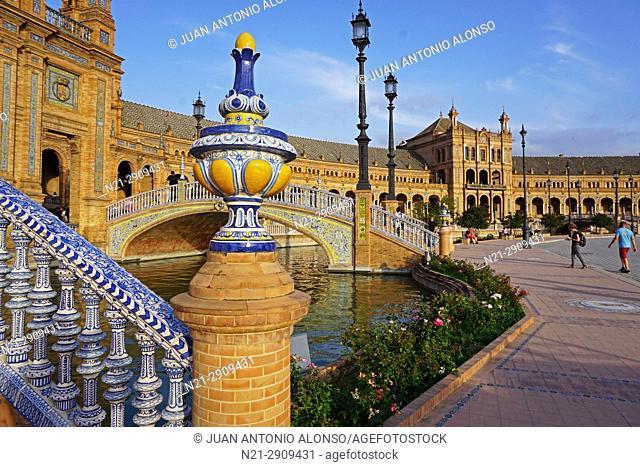 Plaza de España. María Luisa Park. Built for the 1929 Iberoamerican Exhibition by the Sevillian architect Anibal González