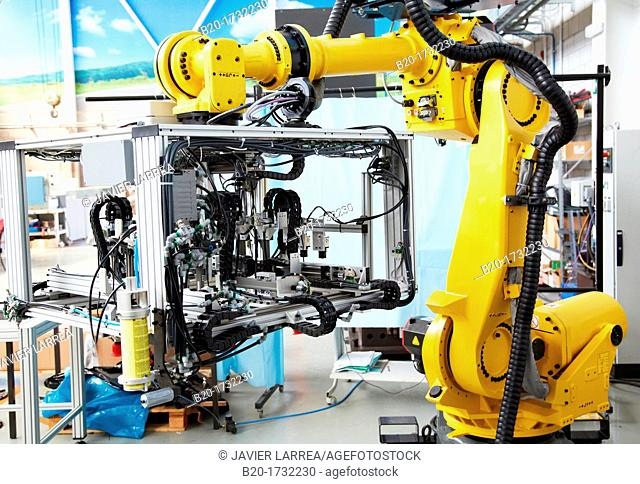 Industrial Robot System, Dematerialised Manufacturing Systems, A new way to design, build, use and sell Machine Tools, Research in Industrial Systems, R & D + i