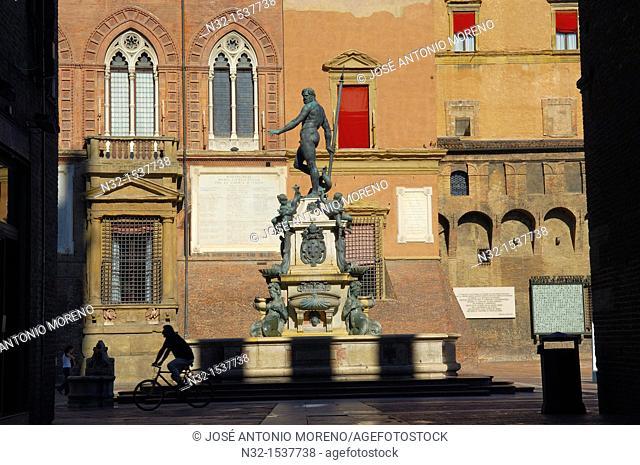Fountain of Neptune next to Piazza Maggiore, Bologna, Emilia-Romagna, Italy