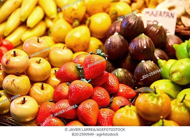 Fruits, Mercat St Josep, La Boqueria market, Las Ramblas. Barcelona. Catalonia. Spain