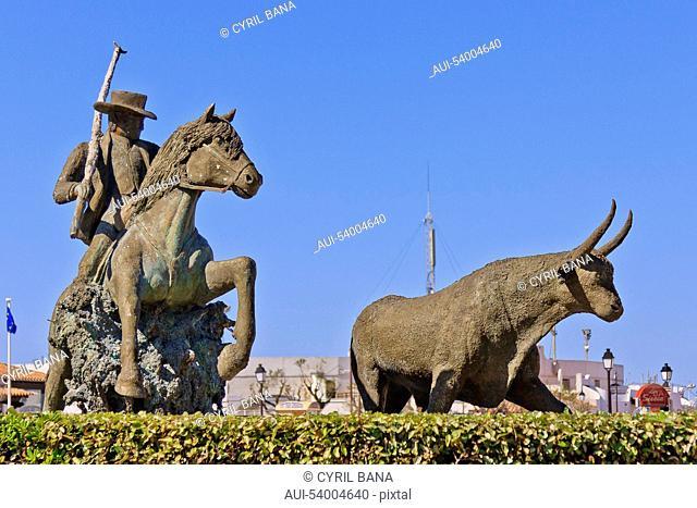 France, Camarque, Saintes-Maries-de-la-Mer, sculpture