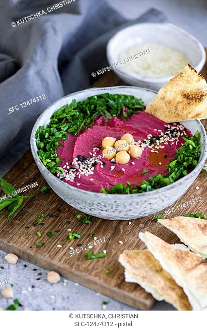 Beetroot hummus with chickpeas and parsleYes (Arabia)