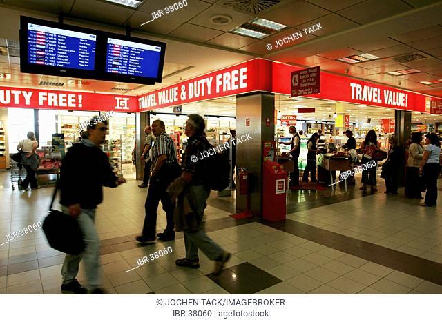 DEU, Germany, Berlin : Airport Berlin-Schoenefeld. Duty free shops
