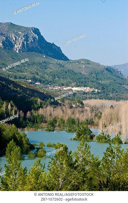 Reservoir of the Fuensanta by Cerro de La Rala, Calares del Mundo y de la Sima Natural Park, Sierra del Segura, Yeste, Albacete province, Castilla-La Mancha