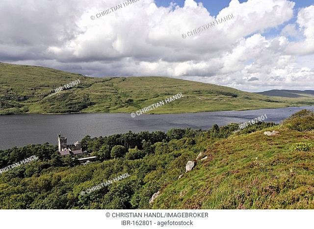 Glenveagh castle with the Loch Ghleann Bheatha in the Glenveagh National Park, Donegal, Ireland
