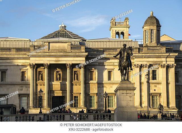 Reiterstandbild von König Georg IV vor der National Gallery, Trafalgar Square, London, Vereinigtes Königreich Großbritannien