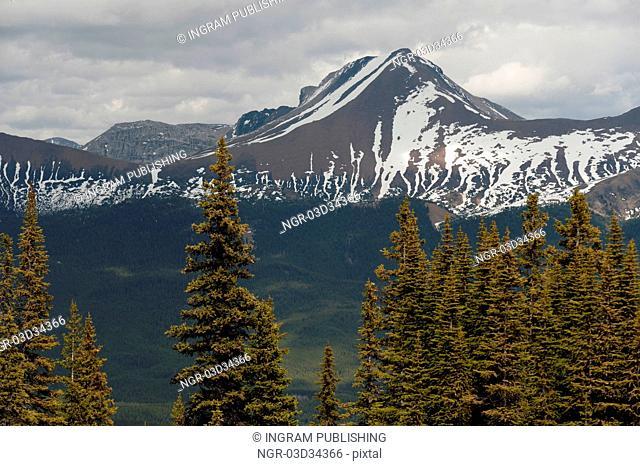 Samson Peak, Maligne Lake, Jasper National Park, Alberta, Canada