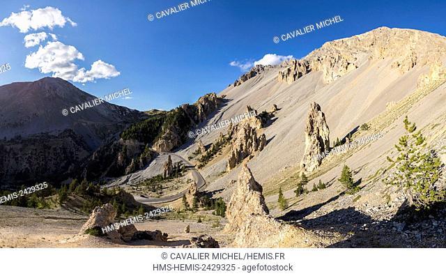 France, Hautes Alpes, Parc Naturel Regional du Queyras (Natural regional park of Queyras), lunar landscape of the Casse Déserte has closeness of the pass of...