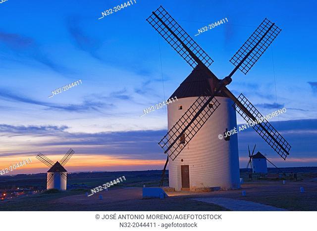 Mota del Cuervo, Windmills, Route of Don Qiuijote, Cuenca province, Castilla-La Mancha, Spain