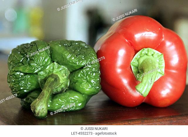 Red pepper and green spoiled pepper  Ageing  Wrinkle  Finland