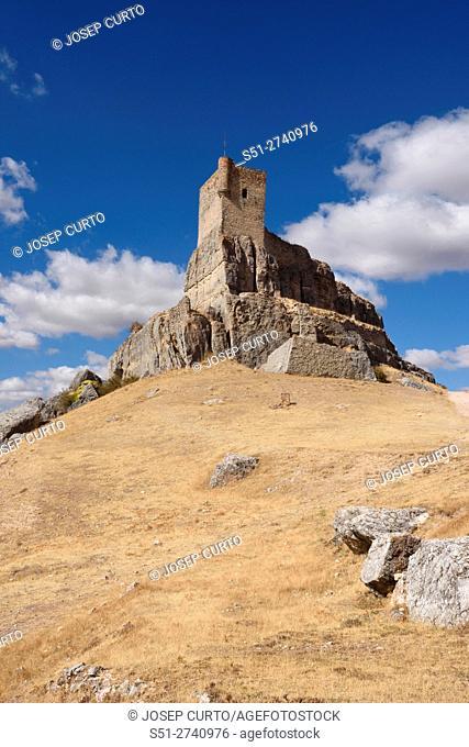 Homenaje tower of Castle Atienza, medieval fortress of the twelfth century (Route of Cid and Don Quixote) Guadalajara province, Castilla-La Mancha, Spain