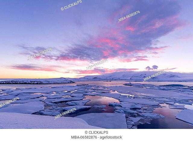 Sunset at the ice lagoon of Jokulsarlon, southern Iceland, europe