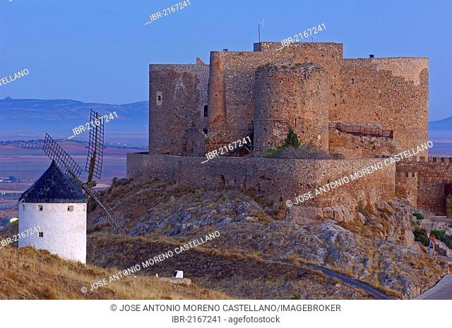 Windmill and Caballeros de San Juan de Jerusalen castle, Consuegra, Toledo province, Route of Don Quixote, Castilla-La Mancha, Spain, Europe