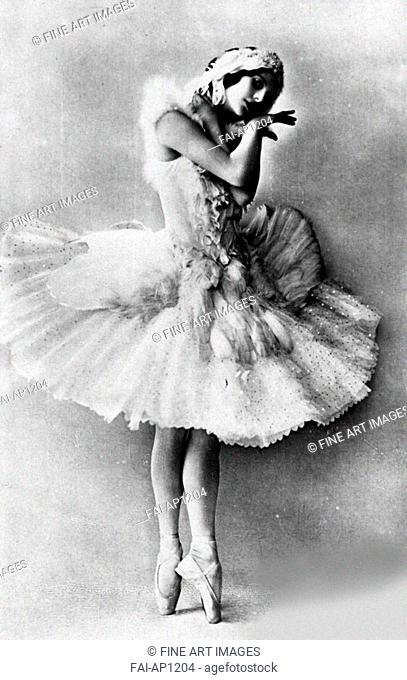 Anna Pavlova in the ballet The Dying Swan by Camille Saint-Saëns. Anonymous . Photograph. 1905. Russian State Archive of Literature and Art, Moscow