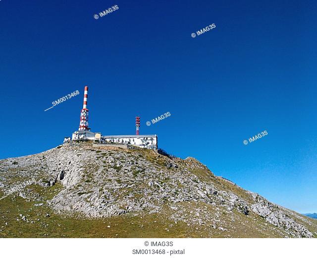 Gamoniteiro peak (1791 m.) and Telecommunications Relay, Sierra del Aramo, Quirós municipality. Asturias, Spain