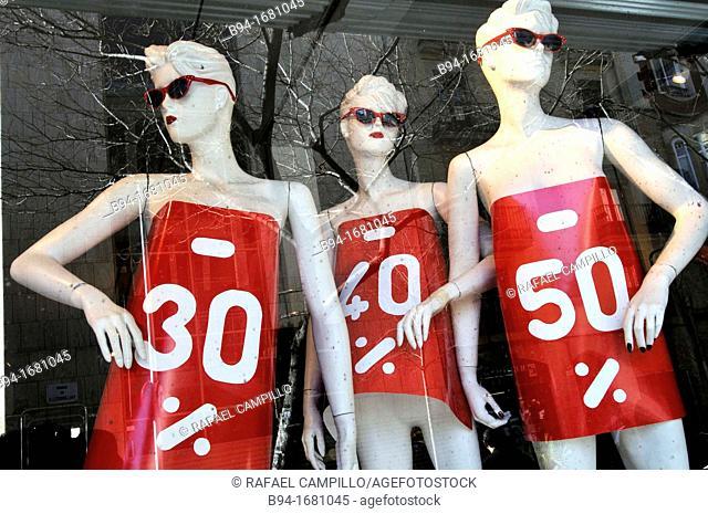 Mannequins announcing discounts  Barcelona  Catalonia  Spain