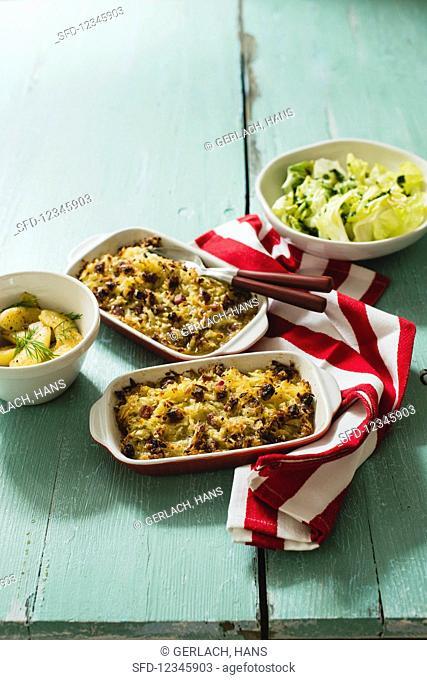 Plain in pigna (potato bake with steamed apples, Switzerland)