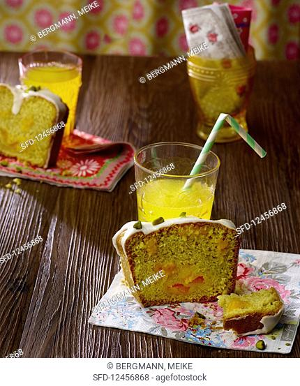 Orangeade cake with icing