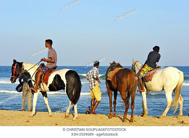 riders at Marina Beach, Baie of Bengal, Chennai Madras, Coromandel Coast, Tamil Nadu state, South India, Asia