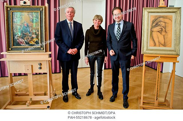 The head of administration of the Staedel-Museum, Nikolaus Schweickart (L), chairwoman of the museum's board of trustees, Sylvia von Metzler (C)