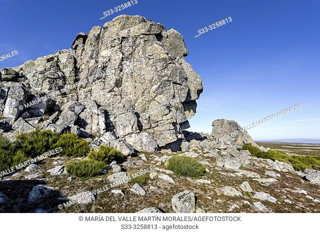 Graja cliff in the Sierra Paramera on a sunny day. Avila. Spain. Europe