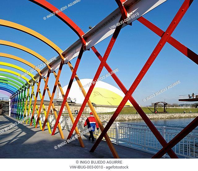 NIEMEYER CENTER IN AVILES, SPAIN BY OSCAR NIEMEYER. VIEW OF FOOT BRIDGE, AVILÉS, SPAIN, Architect