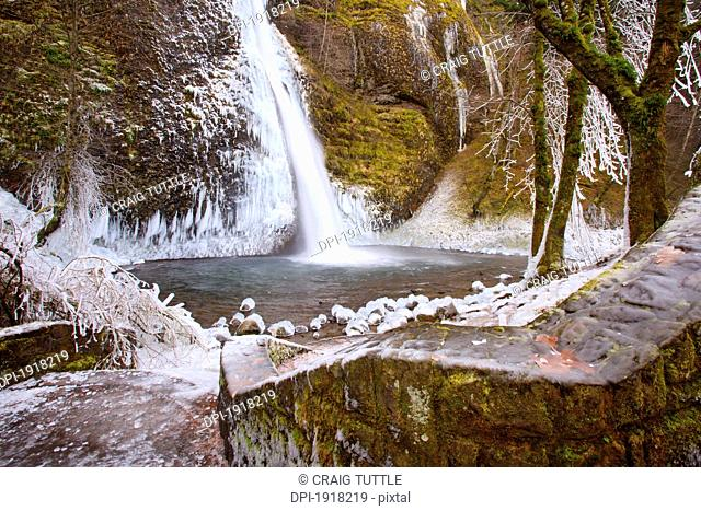winter ice storm by latourell falls, columbia river gorge, oregon, usa