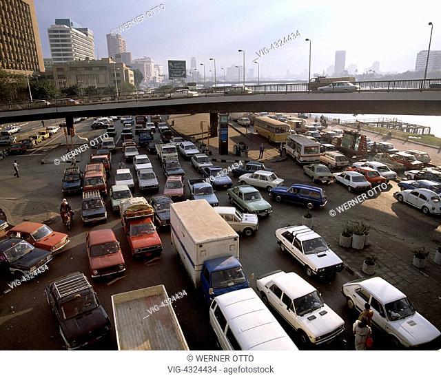 Aegypten, ET-Kairo, Unteraegypten, Autos, Strassenverkehr, ET-Cairo, Egypt, traffic, cars, UNESCO, Welterbe, Weltkulturerbe, UNESCO World Heritage Site - Kairo