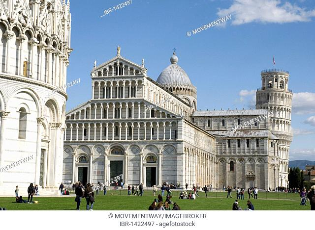 Battistero baptistery and Duomo Santa Maria Assunta cathedral with Campanile Leaning Tower, Piazza del Duomo, UNESCO World Heritage, Pisa, Tuscany, Italy